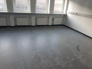 Fußbodenreinigung und Beschichtung mit Super-PU